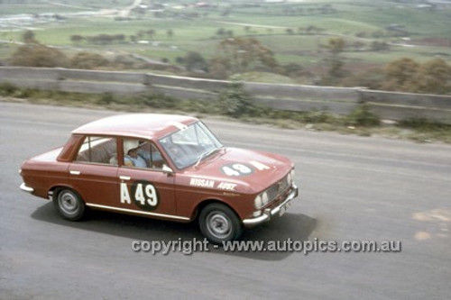 66748  -  John Roxburgh & Doug Whiteford, Datsun Bluebird - Gallaher 500  Bathurst 1966 - Photographer Geoff Arthur