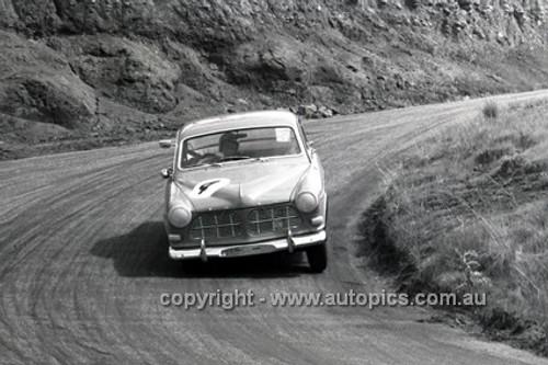 66767  - Gerry Lister & Graham Porter, Volvo 122S - Gallaher 500 Bathurst 1966 - Photographer Lance J Ruting