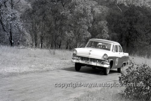 57110 - Len Lukey, Ford Customline - Rob Roy - 1957 - Photographer Peter D'Abbs