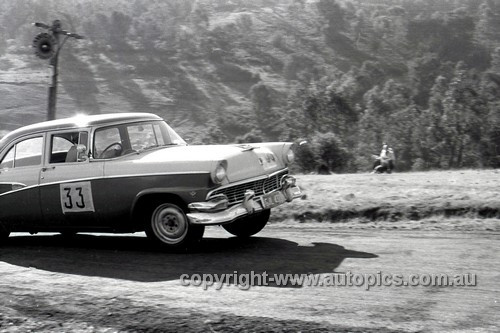 57111 - Len Lukey, Ford Customline - Rob Roy - 1957 - Photographer Peter D'Abbs