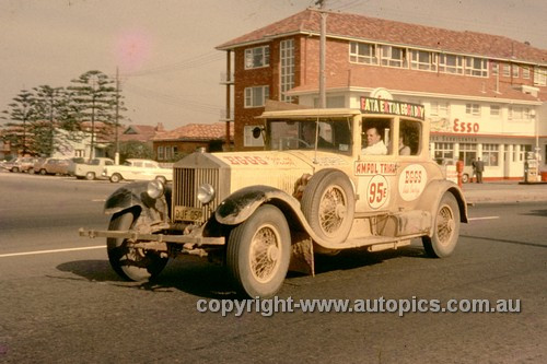 64981 - Blanche Brown & Vince Brown - 1964 Ampol Trial - Rolls Royce - Photographer Ian Thorn