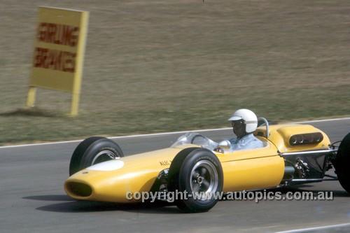 65559 - Frank Gardner,  Brabham Climax - Warwick Farm  Tasman Series  - 1965  - Photographer Adrien Schagen