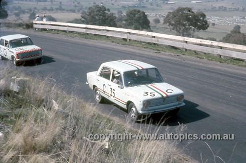 67765 - Trevor Meehan / Gary Cooke Fiat 124 - Gallaher 500 Bathurst 1967 - Photographer Geoff Arthur