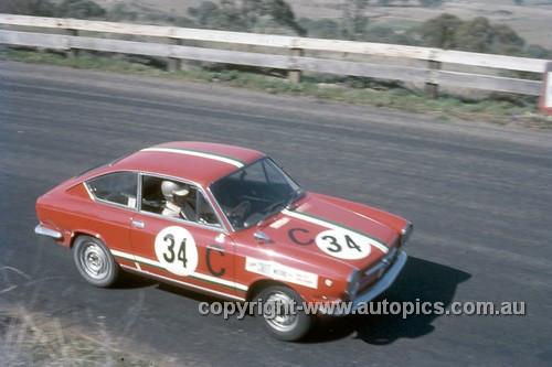 67766 - David Bye / Lynn Brown Fiat 850 - Gallaher 500 Bathurst 1967 - Photographer Geoff Arthur