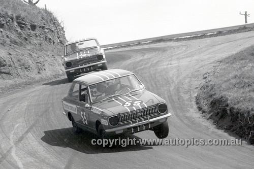 68771  -  Barry Ferguson / Brian Sampson & Bruce Hindhaugh / Bob Morris  Toyota Corolla -  Hardie Ferodo 500 Bathurst 1968 - Photographer Geoff Arthur