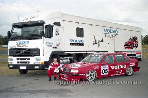 96028 - Peter Brock - Volvo 850 & Transporter- Lakeside 1996 - Photographer Marshall Cass