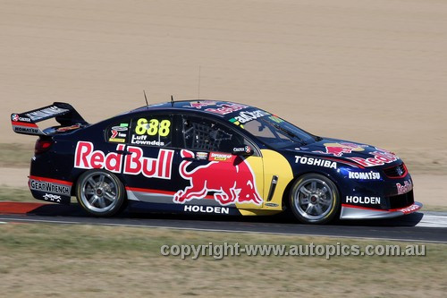 13705 - C. Lowndes / W. Luff  Holden Commodore VF - Bathurst 1000 - 2013  - Photographer Craig Clifford