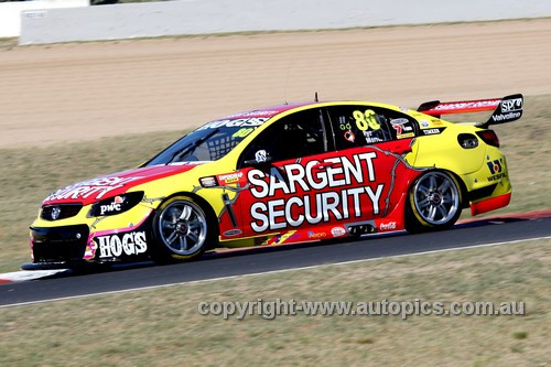 13711 - S. Pye / P. Morris  Holden Commodore VF - Bathurst 1000 - 2013  - Photographer Craig Clifford