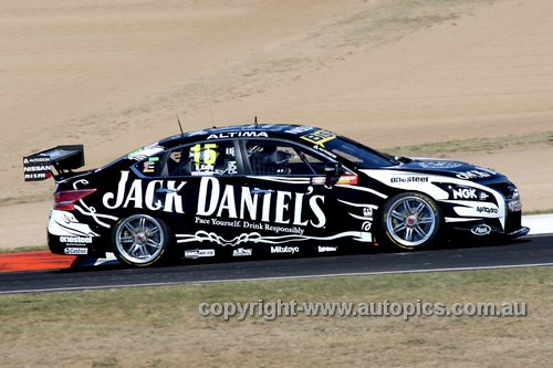 13737 - R. Kelly / K. Reindler   Nissan Altima - Bathurst 1000 - 2013 - Photographer Craig Clifford