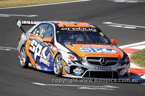 13739 - M. Engel / S. Johnson    Mercedes E63 AMG - Bathurst 1000 - 2013 - Photographer Craig Clifford