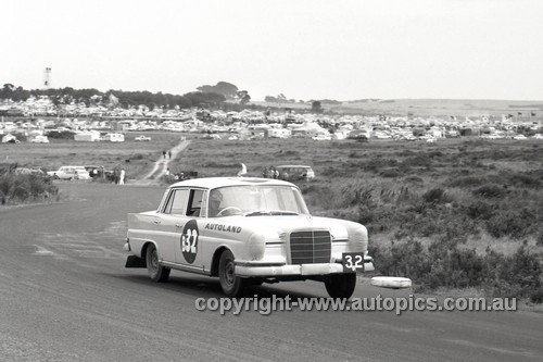 61731 - Bob Jane & Harry Firth, Mercedes Benz 220SE - Armstrong 500, Phillip Island 1961 - Photographer Peter D'Abbs