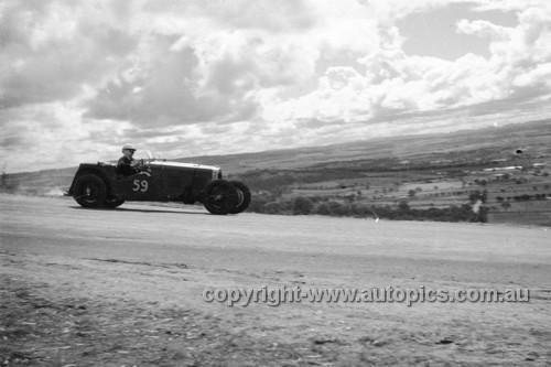 52501 - Bruce Ballment HRG Singer - Bathurst Easter Meeting 1952 - Photographer John Ryan