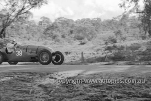 52503 - Larry Humphreys HRG - Bathurst Easter Meeting 1952 - Photographer John Ryan
