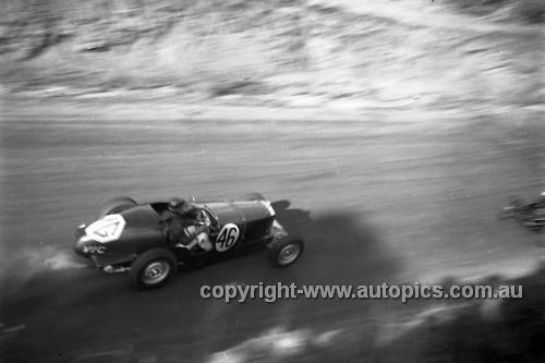 52508 - Phil Harrison, MGTD - Bathurst Easter Meeting 1952 - Photographer John Ryan