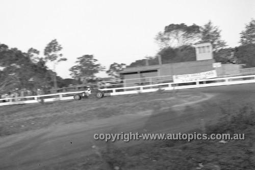 52517 - Stan Jones, Cooper 1100 - Parramatta Park 9th June 1952 - Photographer John Ryan