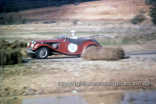 60415 - Holt Bennie, MGTF - Hume Weir 12th June 1960 - Photographer Simon Brady