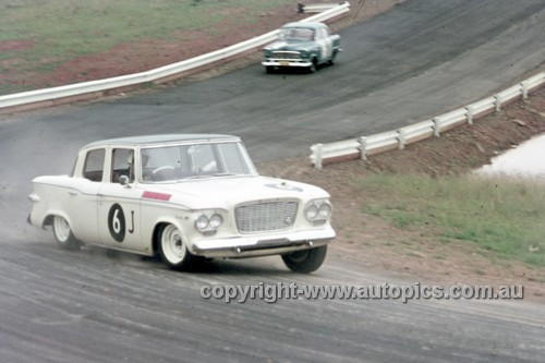 63031 - B. Needham, Studebaker - Oran Park 1963 - Anne Blackwood Collection