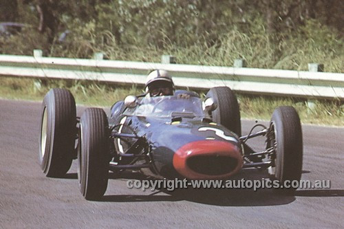 63591 - John Surtees Lola Climax - Warwick Farm  10th Feb. 1963