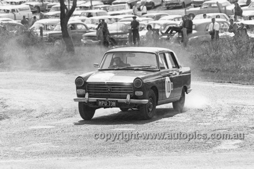 63725 - Bill Coe & Syd Fisher Peugeot 404 - Armstrong 500 Bathurst 1963