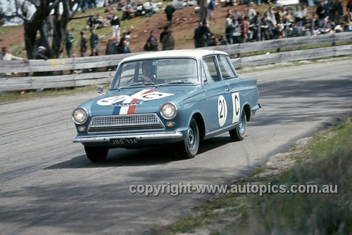 64792 - Ian & Leo Geoghegan - Ford Cortina GT - Armstrong 500 Bathurst 1964