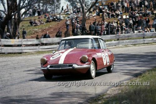 64795  -  Bill Buckle / Brian Foley  - Citroen ID19 -  Armstrong 500 Bathurst 1964