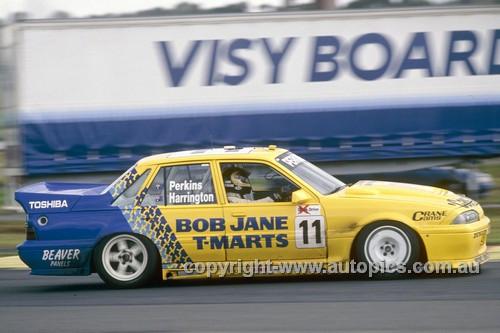 92041 - Larry Perkins  Holden Commodore VL - Sandown  1992