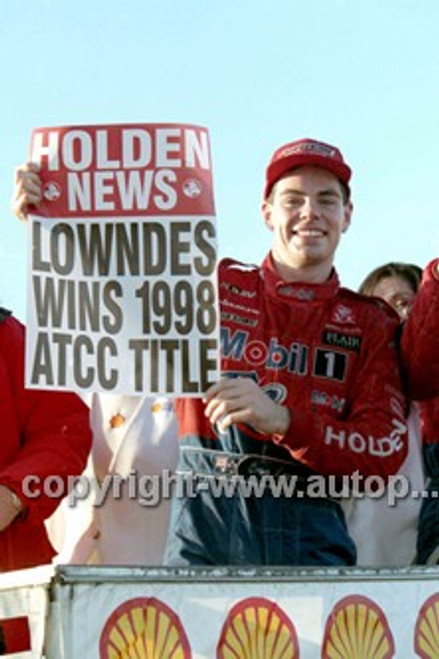 98212 - Craig Lowndes, Holden Commodore VS - Oran Park 1998 - Photographer Marshall Cass