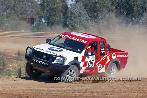 203042 - Peter Brock & Anne Gigney, Holden Rodeo - Australian Safari 2003