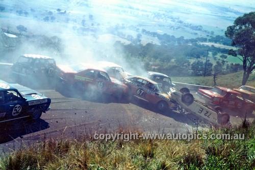 699001 - #72 John French Alfa 1750 GTV, #67 Thomson & Ritter Alfa 1750GTV, #45 Stewart & Reed Toyota Corona 1900, #52 Gapps & Hann Falcon XW GT HO - Bathurst 1969