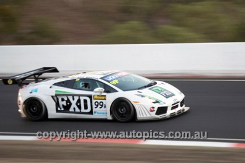 14016 - P. Hill / S. Middleton / E. Bana - Lamborghini Gallardo - 2014 Bathurst 12 Hour  - Photographer Jeremy Braithwaite