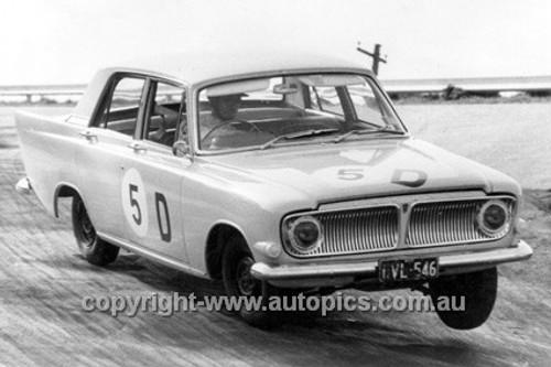 63730 - Geoff Russell & John Reaburn, Zephyr MKII - Armstrong 500 Bathurst 1963