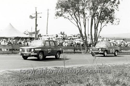 63735 -John Connelly / Bob Drapper & Dave Walker & Ron Clarke, Renault R8   - Armstrong 500 Bathurst 1963