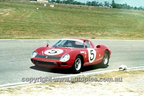 68251 - Ian & Leo Geoghegan, Ferrari 250LM - 1968 Surfers Paradise 6 hour