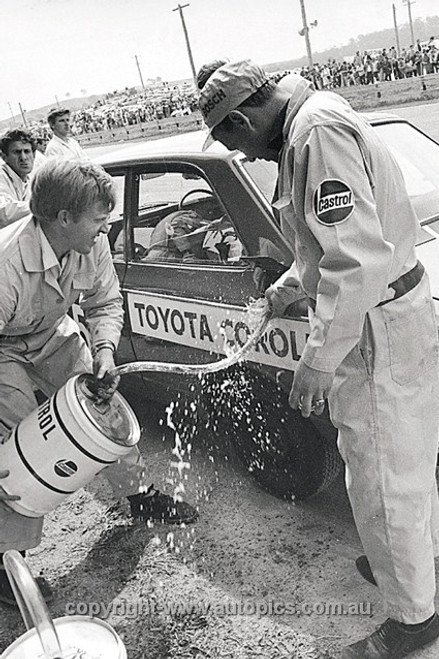 68776  - Barry Ferguson & Brian Sampson Toyota Corolla - 1968 Hardie Ferodo 500 Bathurst