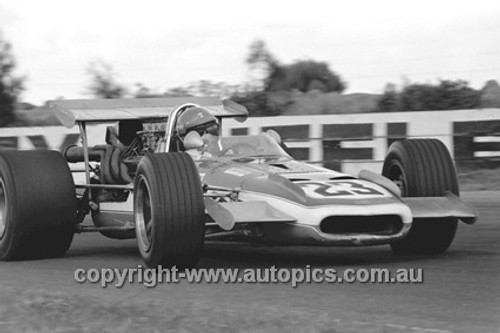 70665 - Bill Simpson Eagle Chev - Surfers Paradise Tasman Series 1970 - Photographer David Blanch
