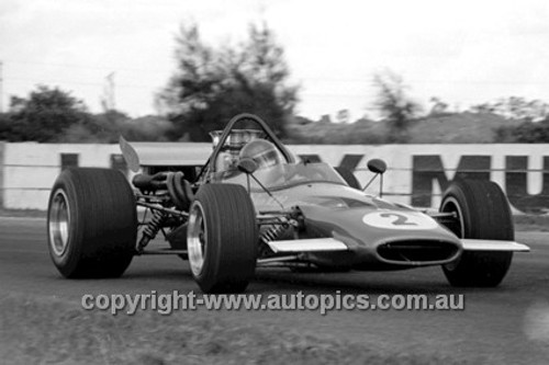 70670 - Niel Allan, McLaren M10B - Surfers Paradise Tasman Series 1970 - Photographer David Blanch