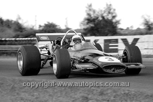 70672 - G. McRae  McLaren M10A Chev - Surfers Paradise Tasman Series 1970 - Photographer David Blanch