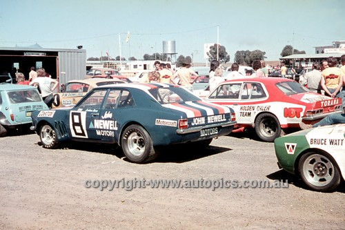 700003 - Graham Moore Ford Cortina - Symmons Plains 1970 - Photographer Perry Drury