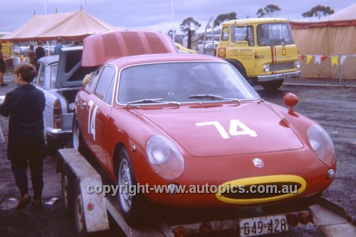 700004 - G. Cerario Fiat Abarth 1300 - Symmons Plains 1970 - Photographer Perry Drury