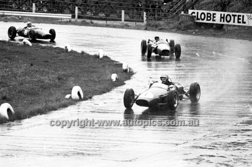 64561 - J. Sapir, Elfin & M. Patterson, Ausper  - Hume Weir 20th September 1964 - Photographer Bruce Wells