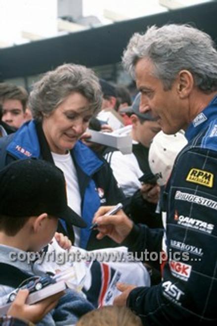 97013 - Peter & Bev Brock - Sandown 1997 - Photographer Marshall Cass