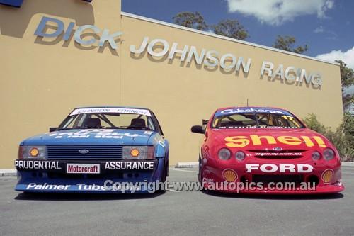 201240 - Dick Johnson's XD & AU Falcons - 2001 - Photographer Marshall Cass