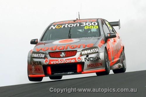 10705 - C. Lowndes / M. Skaife- Holden Commodore VE  Bathurst 2010
