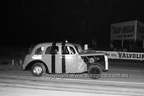 67936 - Surfers Paradise Drags 26th August 1967 - Photographer Lance J Ruting