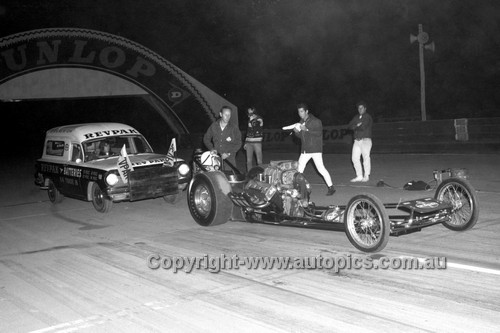 67920 - Surfers Paradise Drags 26th August 1967 - Photographer Lance J Ruting