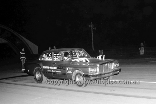 67919 - Colin Weaton, Valiant  - Surfers Paradise Drags 26th August 1967 - Photographer Lance J Ruting