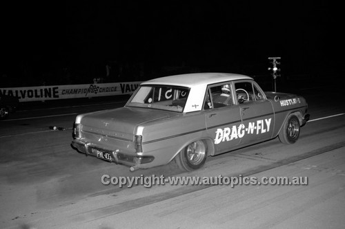 67914 - Holden EH  - Surfers Paradise Drags 26th August 1967 - Photographer Lance J Ruting