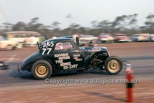 64987 - Castlereagh Drags 1964 - Photographer Lance J Ruting