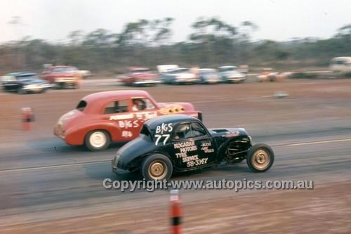64986 - Castlereagh Drags  1964 - Photographer Lance J Ruting