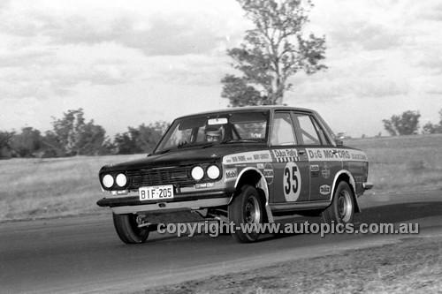 71343 - Bob Drane, Datsun 1600 SSS - Dulux Rally Oran Park 1971 - Photographer Lance Ruting
